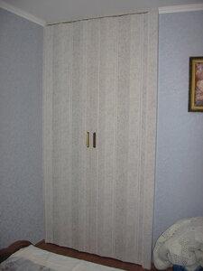 Дверь Гармошка без витражей.