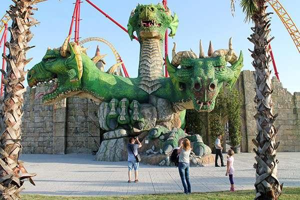 «Сочи-Парк» - самый большой в России парк аттракционов в древнерусском стиле