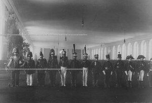 Солдаты в исторических формах Егерского полка.