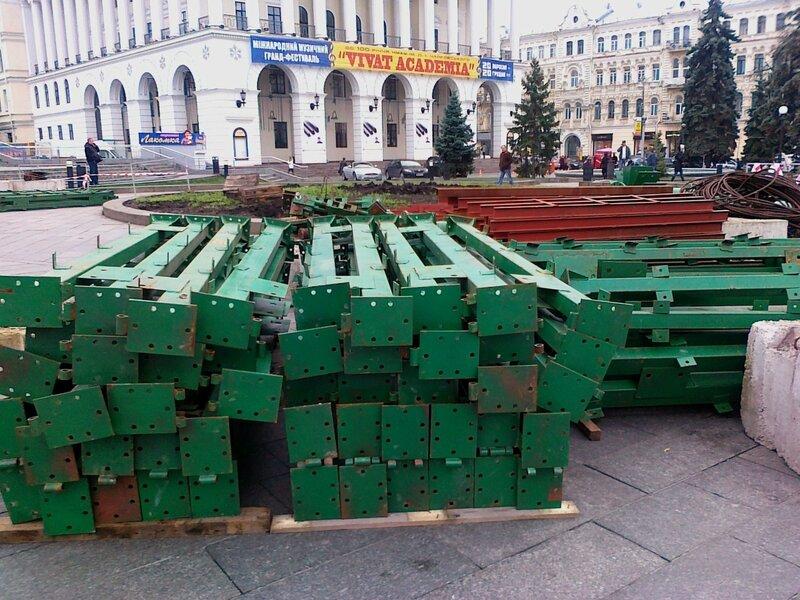 Детали главной елки Киева