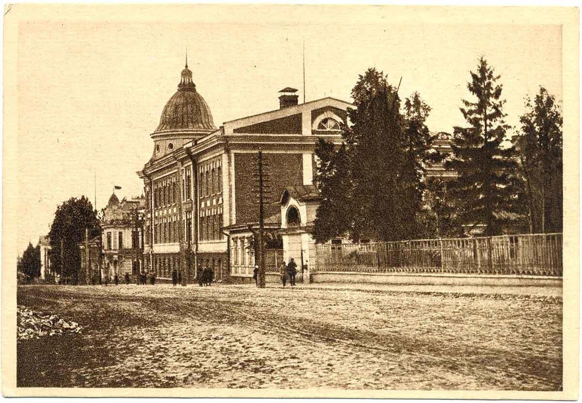 Правление Университета и Педфака (боковой фасад)