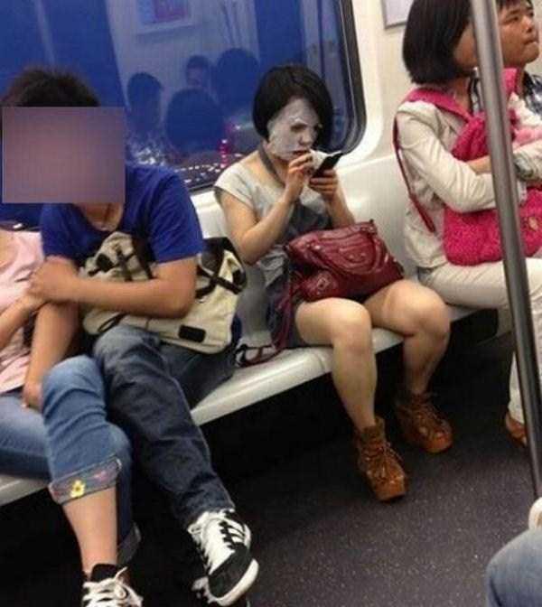 Подкат в общественном автобусе азиаты