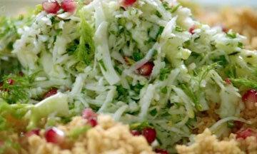 Салат с кускусом, с зернами граната