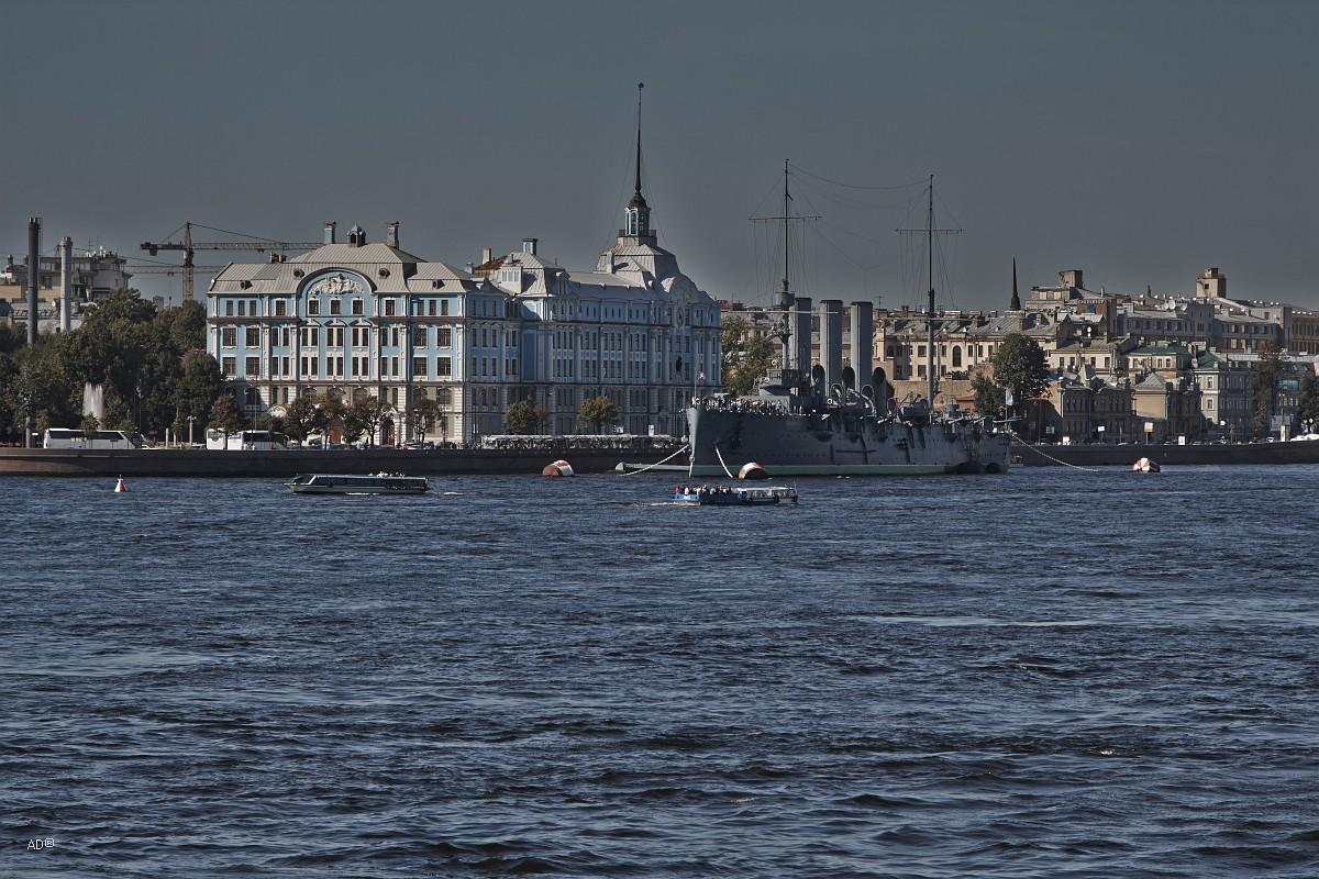 Санкт-Петербургское Нахимовское Военно-Морское училище и Крейсер «Аврора»