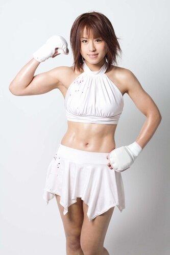 японская девушка боец ММА