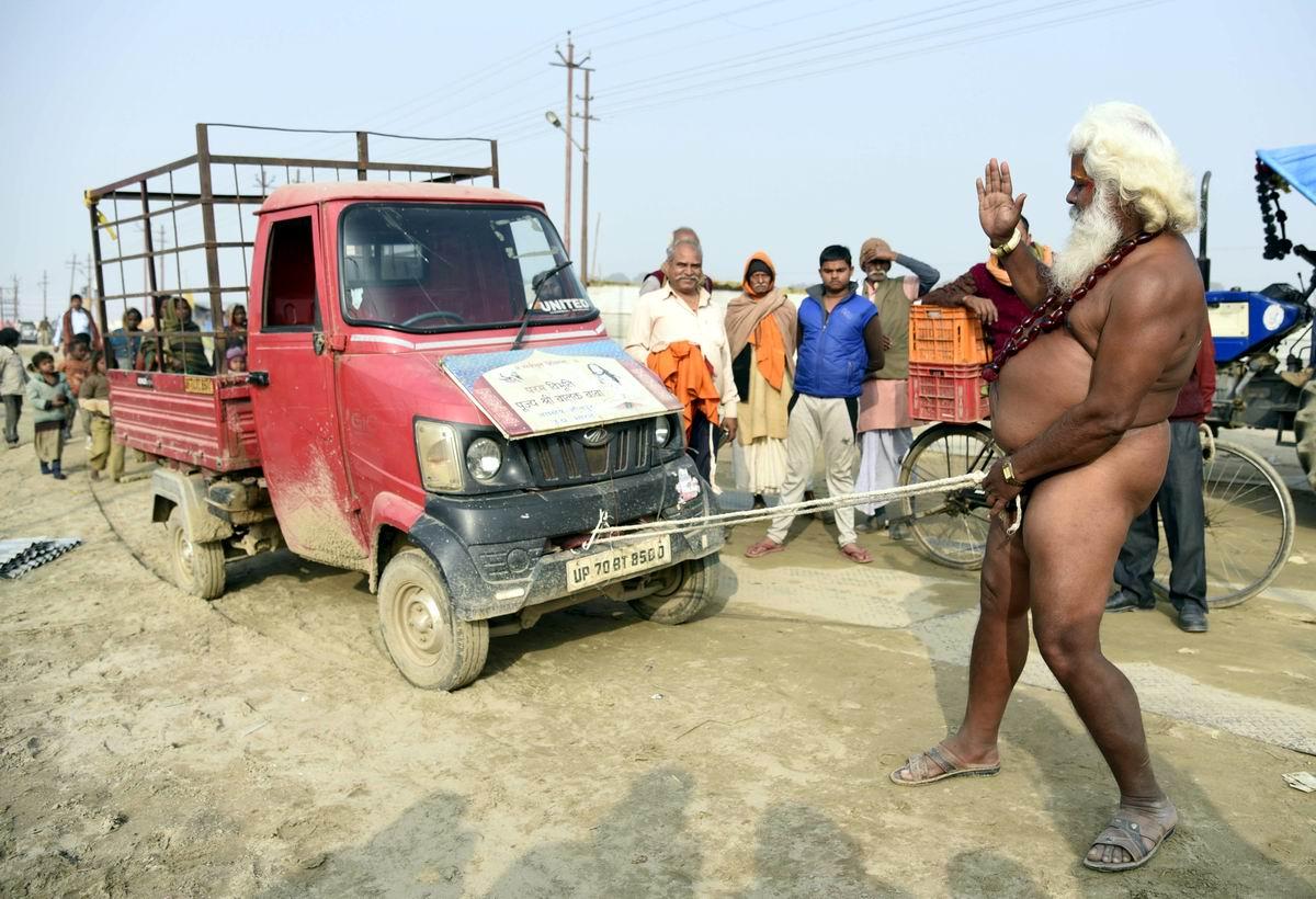 Крепче стали: Настоящее мужское достоинство может оказаться сильнее стоящего грузовичка