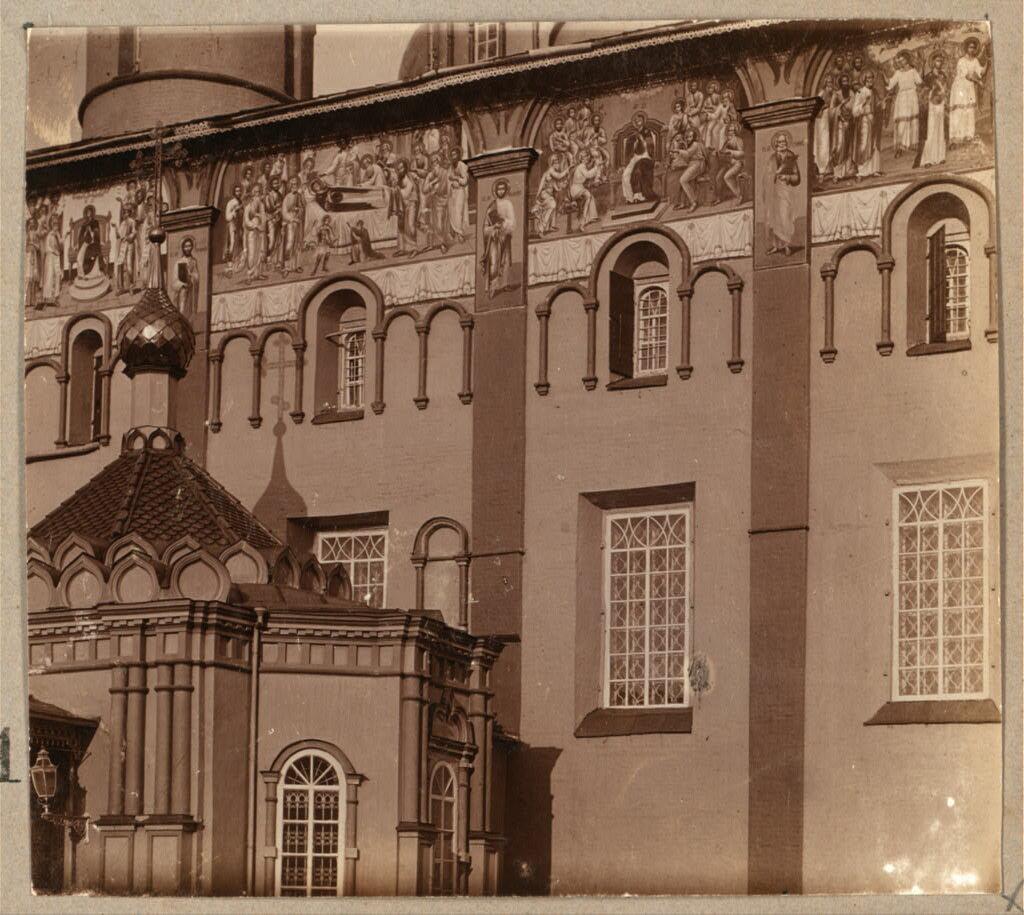 Фрески на стенах Успенского собора в Ярославле. 1910