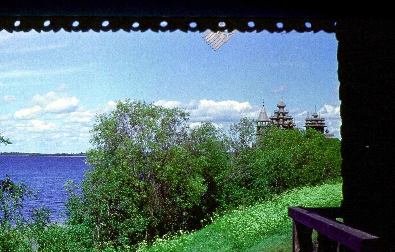 16. Озеро и собор
