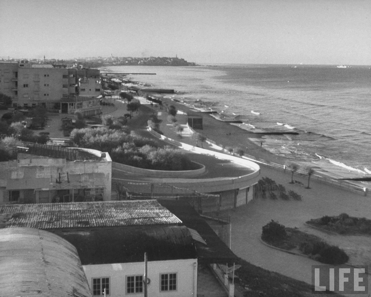 1948. Панорама Тель-Авива с крыши отеля по направлению к Яффо