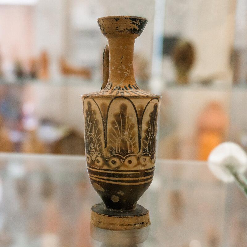 Чернофигурный лекиф. V в. до н.э.