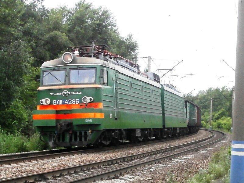 Электровоз ВЛ11-428 на перегоне