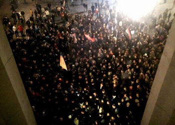 """""""Правый сектор"""" блокировал Раду и требует отставки Турчинова и Авакова"""