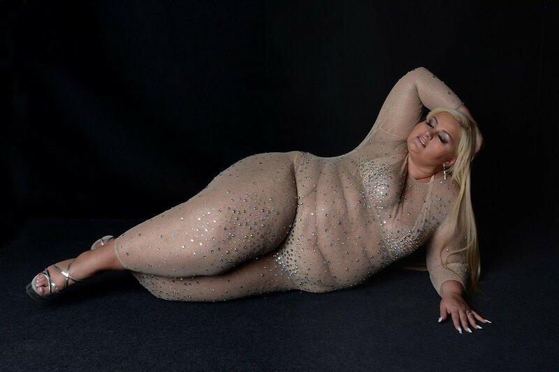 Обнаженные женщины без одежды - сочные женщины голышом на фото