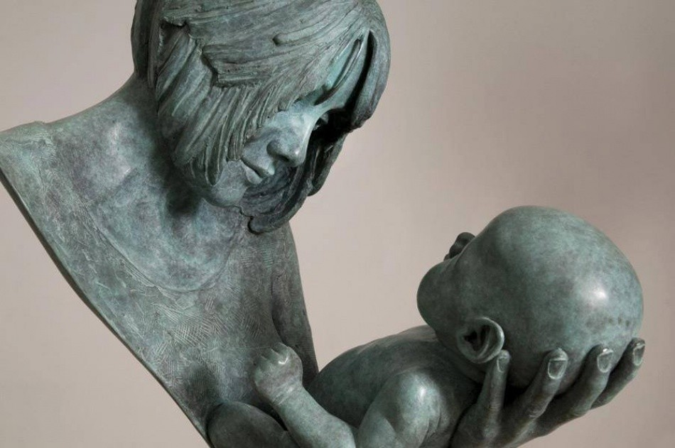 2. «Мама, влюбленная в своего ребенка»