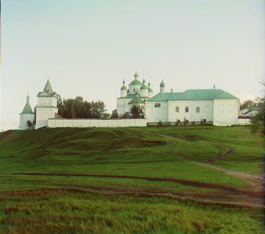 Боковой вид Ферапонтовского монастыря с севера. У Можайска.