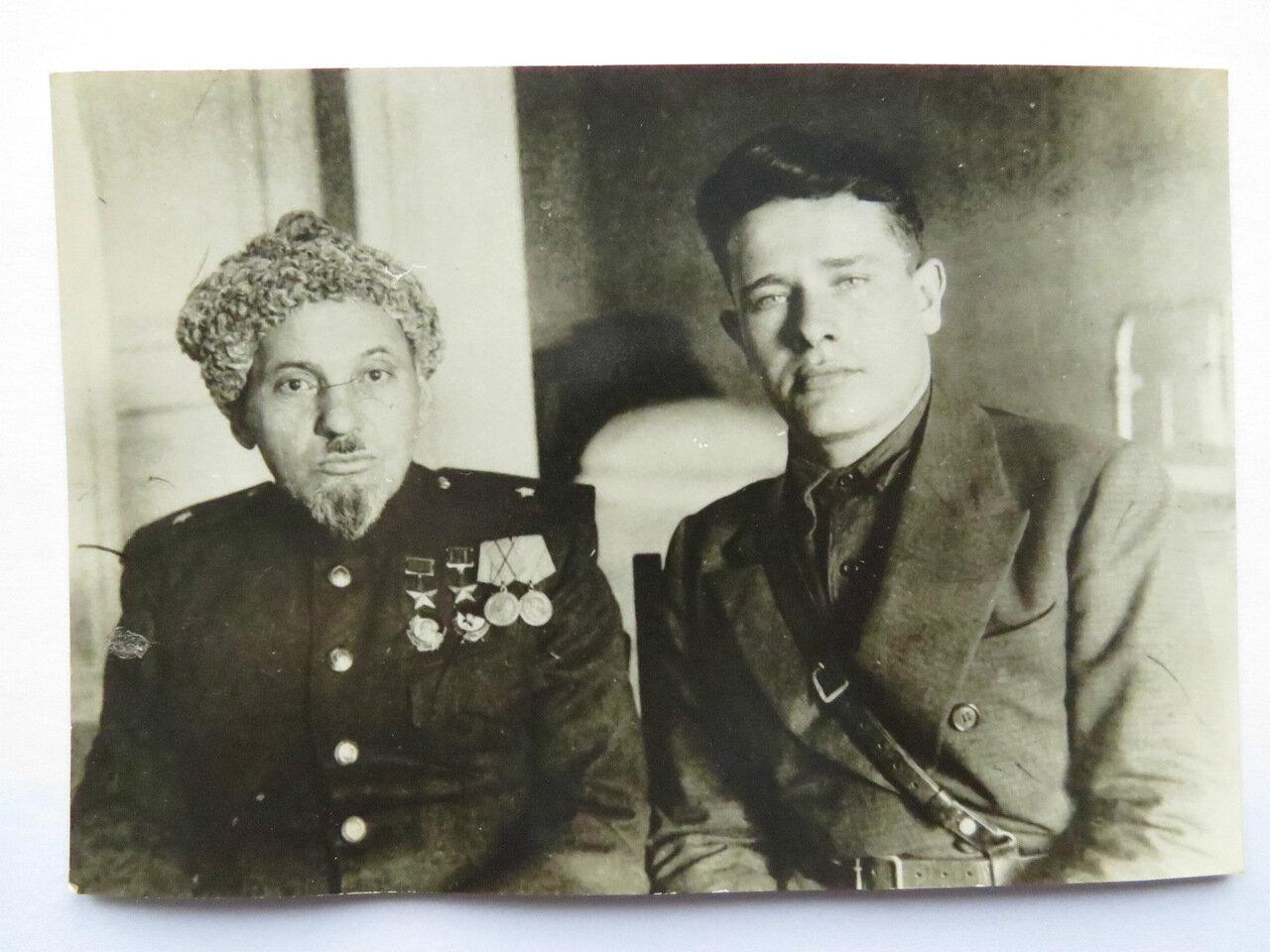 Сидор Артемьевич Ковпак  и его адьютант