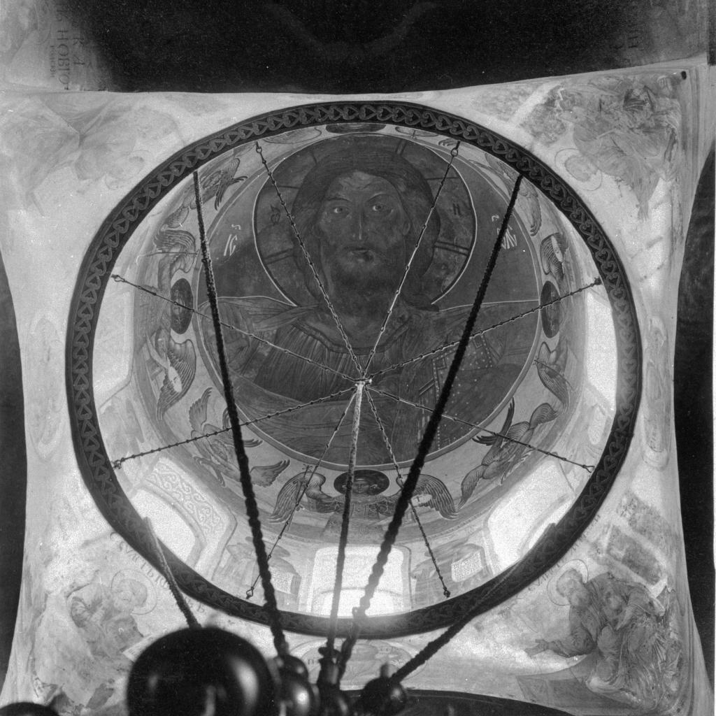Софийский собор. Фресковая живопись ХII века в куполе собора
