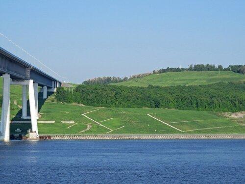 Мимо Президентского моста в Ульяновске