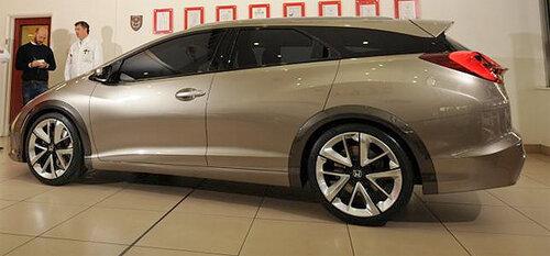 Универсал Honda Civic – обладатель большого багажника