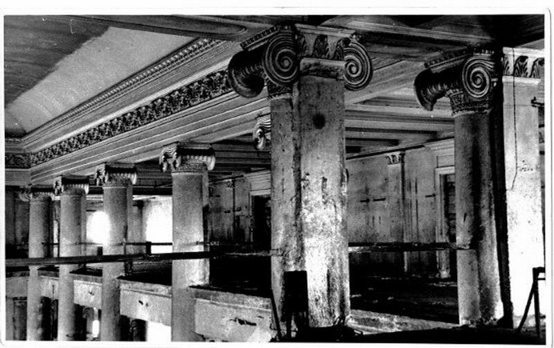 Внутреннее убранство оперного театра до реконструкции (07.11.2013)
