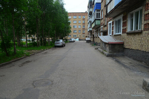 Фото города Инта №8080  Куратова 40 и двор Воркутинской 2 02.07.2015_17:13