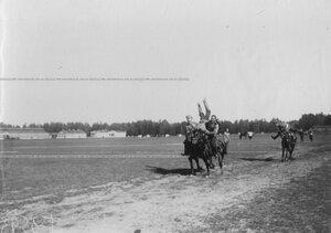 Соревнования казаков полка по верховой езде на ипподроме в Красном селе.