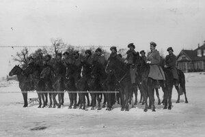 Взвод казаков полка  несущих пограничную учебную службу на границе.