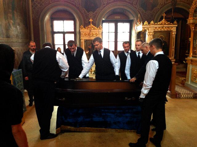 Прощание с Лилей Толмачевой. 29.08.2013. Фото Ларисы Кудрявцевой.