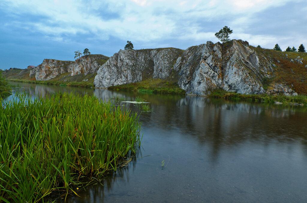 Слободской камень на реке Чусовая у деревни Коуровка. Съемка на любительскую зеркалку Nikon D5100 и широкоугольный объектив Samyang 14mm f/2.8 со штатива.