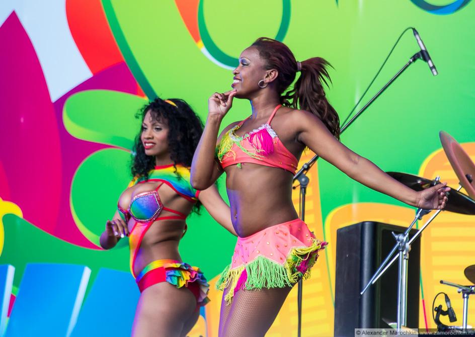 Бразильские танцы на фестивале FIFA Fan Fest в Саранске