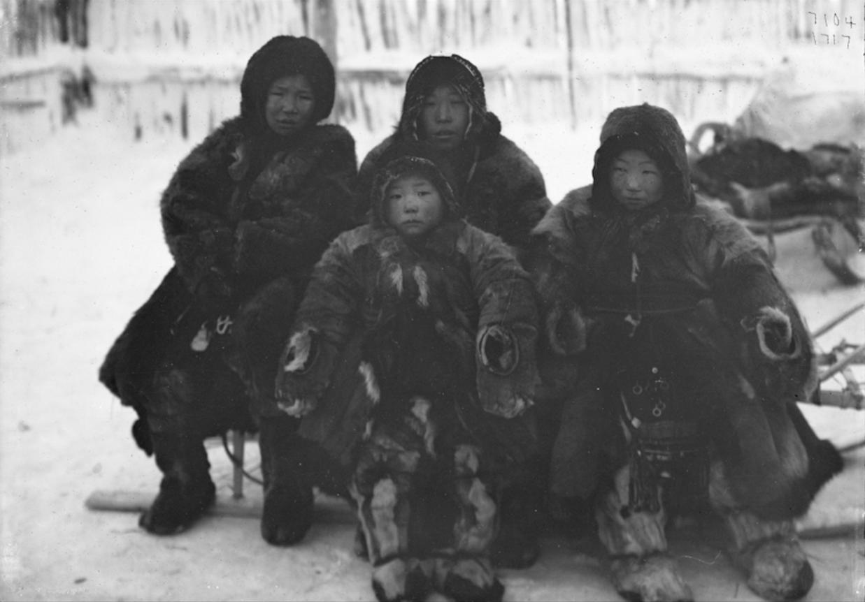 Дети тундровых юкагир, 1902