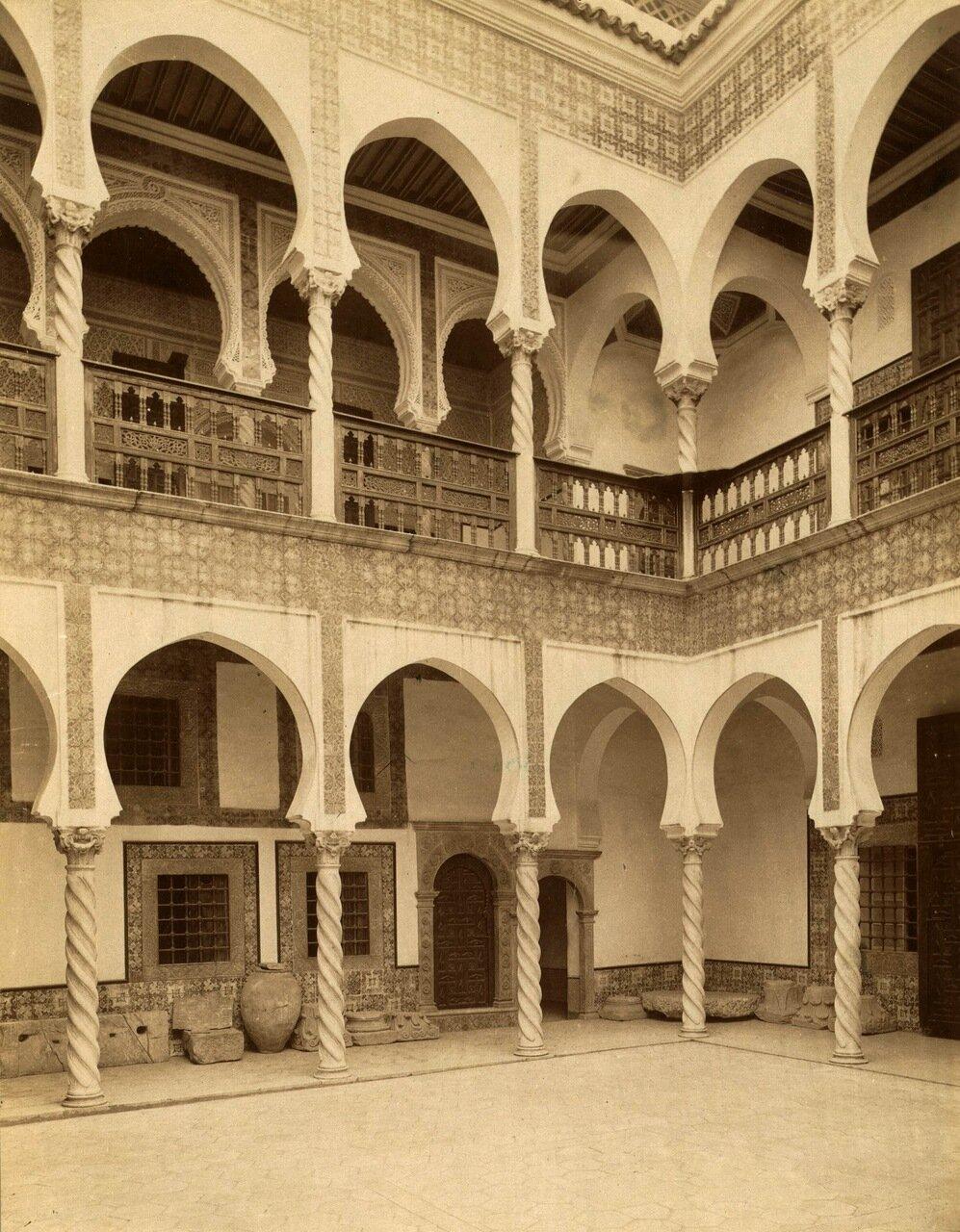 1860-1890. Алжир. Внутренний двор.
