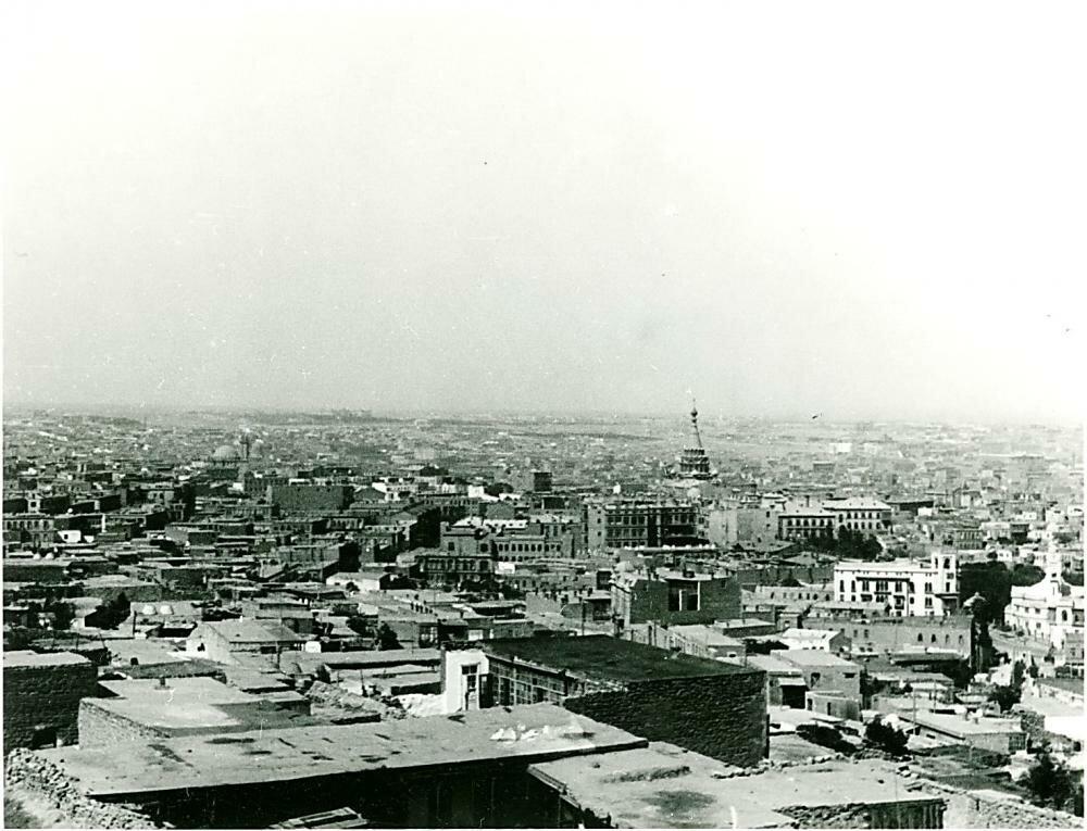 1930. Панорама города.