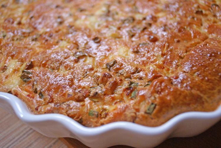 Рис с овощами и грибами на сковороде