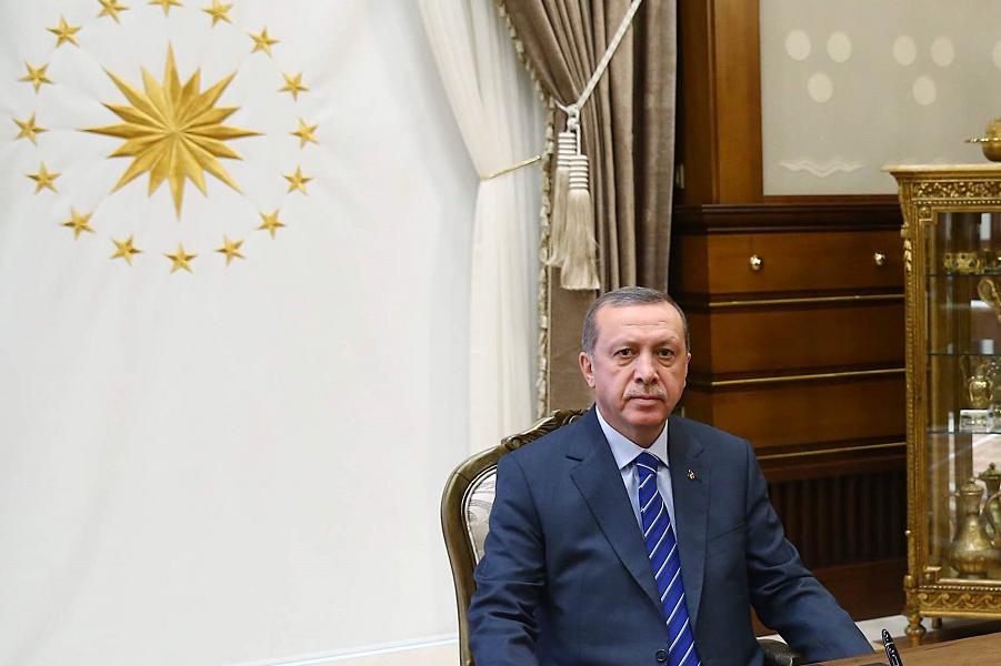 Эрдоган в кабинете.png