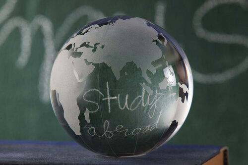Для чего так необходимо обучение за рубежом в современном мире?