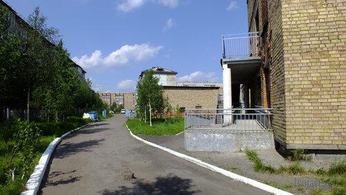 Фото города Инта №4795  Между Морозова 10 и Куратова 66 24.06.2013_12:23