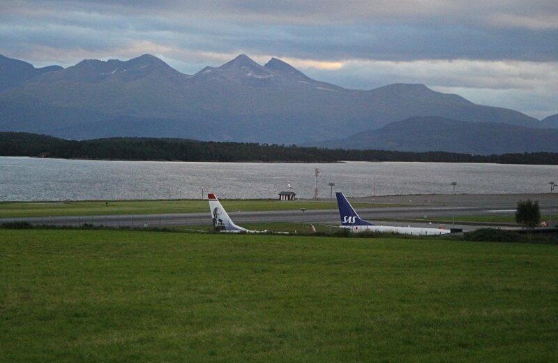Западная Норвегия, Ромсдалфьорд. Аэропорт Молде