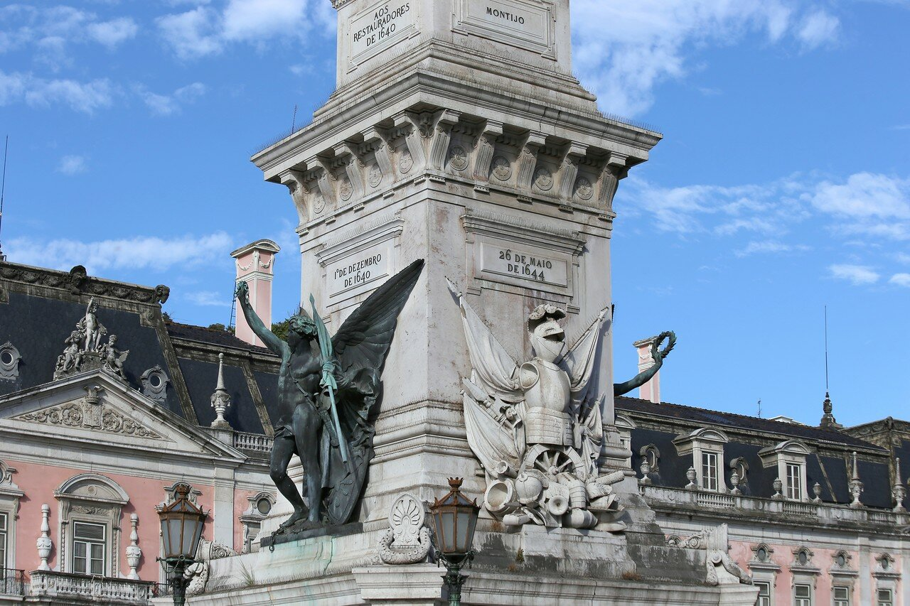 Lisbon. Monument to The Restorers)