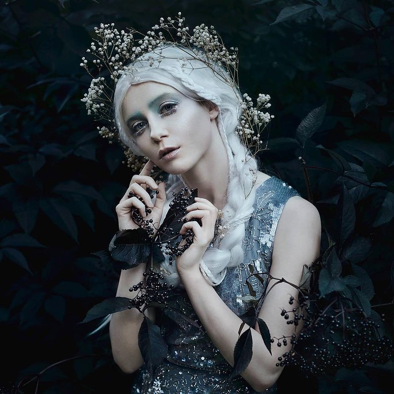 0 17e874 cf33062a orig - Магические портреты девушек от Беллы Котак