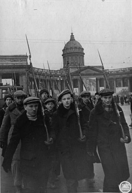 Ленинград в блокаде док пжалста