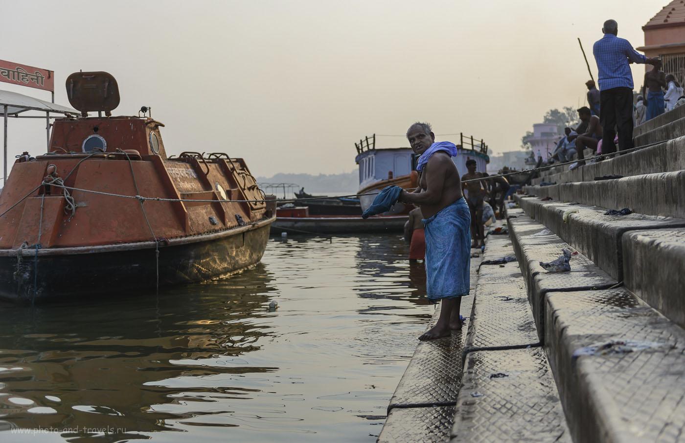 Фотография 20. Ванные процедуры в водах реки Ганг. Поездка в Варанаси самостоятельно. Рассказы об отдыхе в Индии. 1/3200, 2.8, 200, 42.