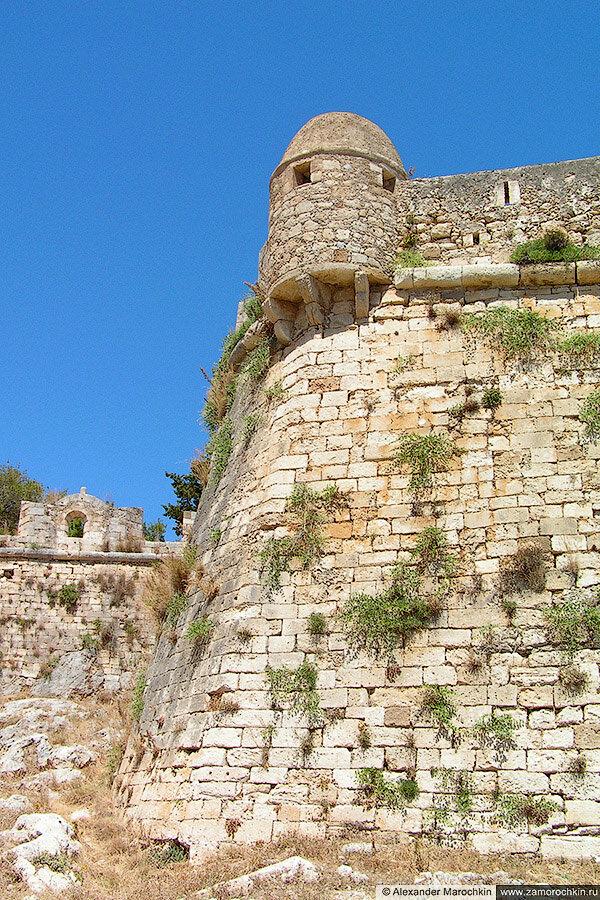 Угловая башня крепости Фортецца в Ретимно