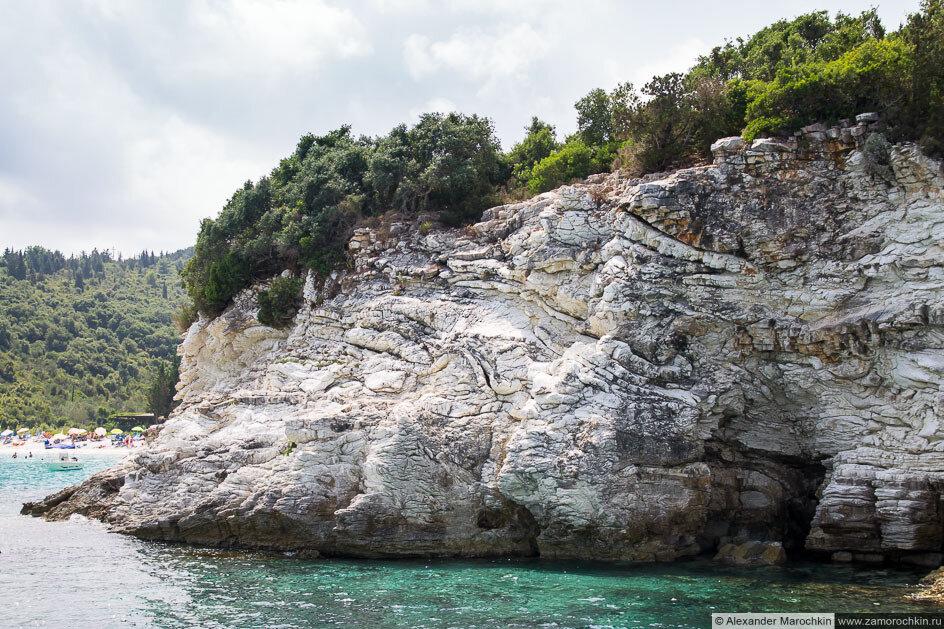Белая скала, остров Антипаксос