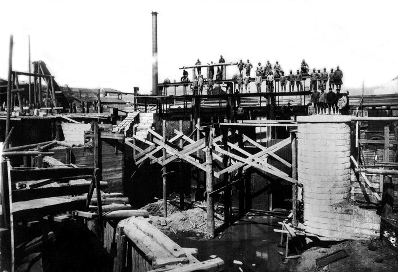 1915. Реконструкция плотины городского пруда.