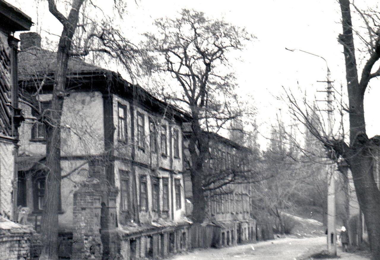 Начало ул. Олеговской (левая сторона) - в 1987 г.