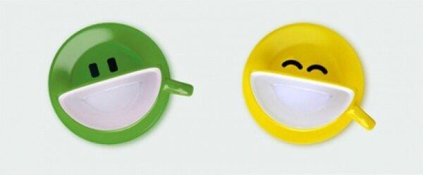 Украинская студия Psyho разработала дизайн кофейного антидепрессант-сервиза под кодовым названием smilecup