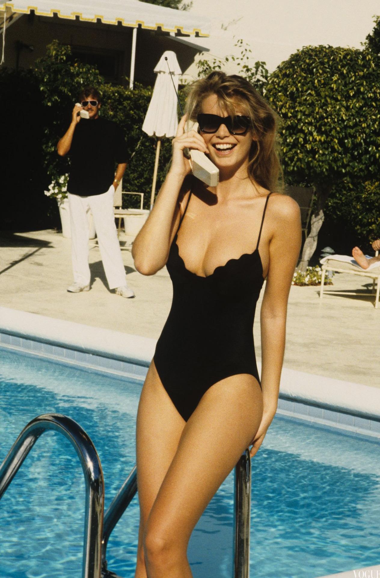 Claudia Schiffer - Vogue, April 1989.jpg