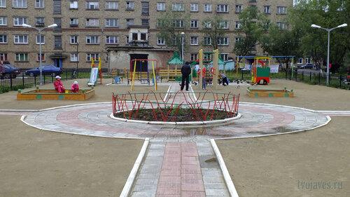 Фото города Инта №5365  Восточная сторона Бабушкина 4 30.07.2013_13:44
