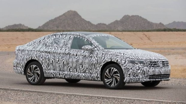 Volkswagen поделился первым тизером нового седана Jetta